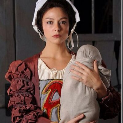 Hester And Pearl In The Scarlet Letter