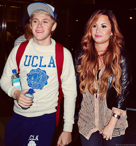 Why would niall date Demi Lovato