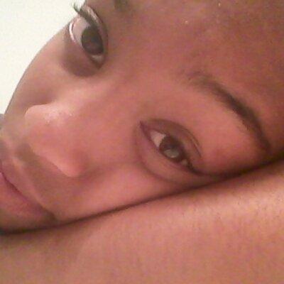 Ebony eys