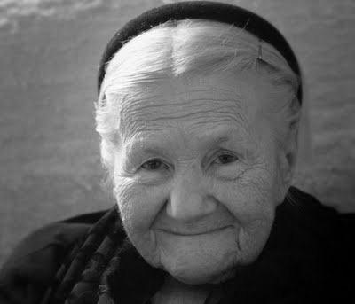 Resultado de imagen de anciana