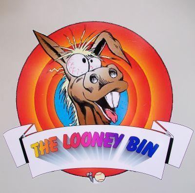 Looney_003.jpg