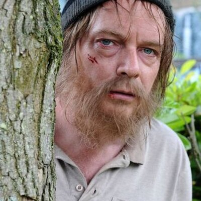 Ian_Beale_returns_to_Walford_after_being_missing_for_6_weeks_after_his_break_down__400x400.jpg