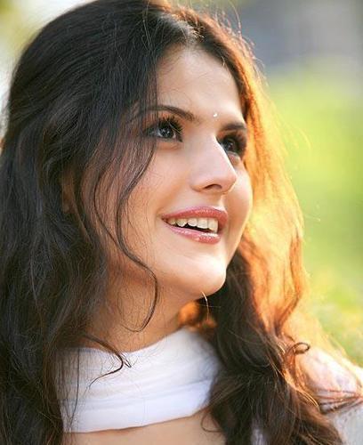 zarine khan hd images