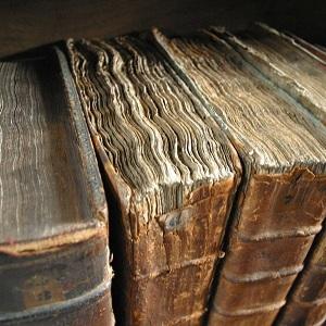 A Dusty Bookshelf Adustybookshelf Twitter