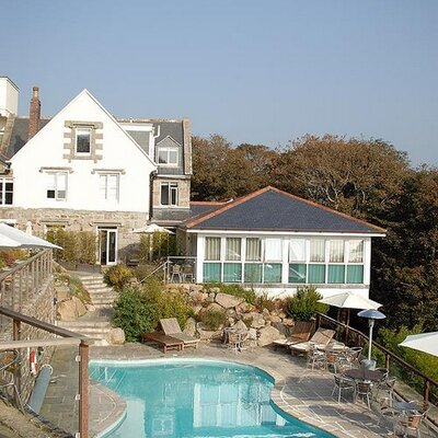 The Cove Cornwall | Social Profile
