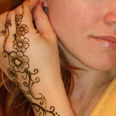 Heathershennatattoos On Twitter Sun And Moon Henna Tattoo Design