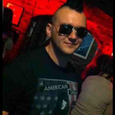 Simon Bayliss (@simbayl110) Twitter profile photo