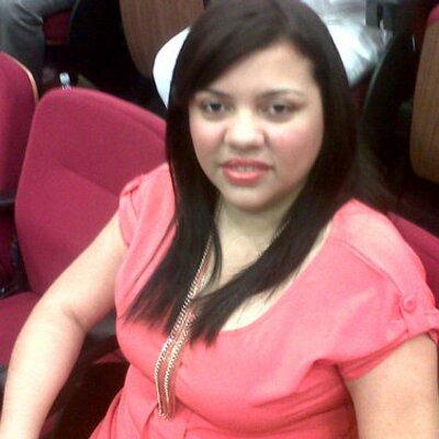 Yanine Diaz Photos 23