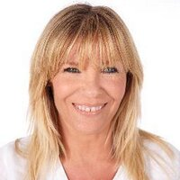 Sally Cairns Make Up | Social Profile