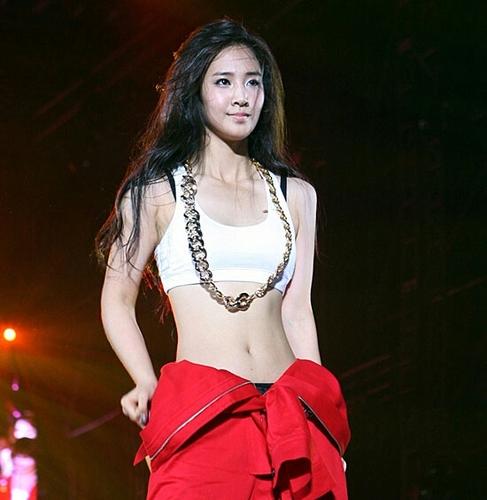 80 best Yuri SNSD images on Pinterest | Kwon yuri, Girls ...