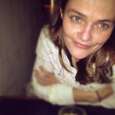 Alexandra Johnes (@alijohnes) Twitter profile photo