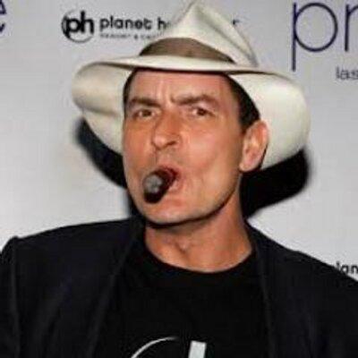 Charlie Sheen porno gay