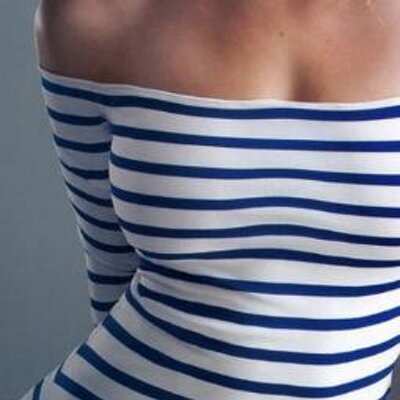 Картинки девушки в тельняшках спиной