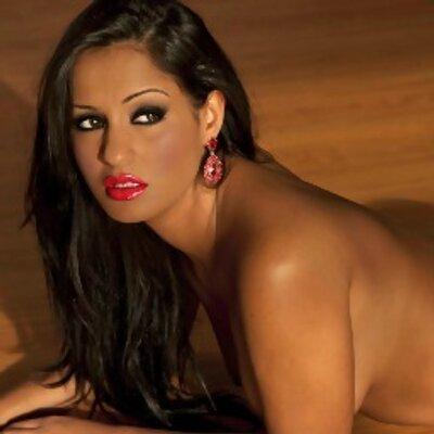 Cleavage Doriana Sousa  nude (56 photo), YouTube, bra