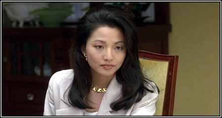waverly jong The joy luck club chapter 10, waverly jong, four directions waverly took lindo out to lunch, and lindo complained and criticized throughout the meal waverly is humiliated, and realizes that there will never be a good time to tell her mother that she is marrying rich schieldswaverly's friends don't understand why she should be so afraid of her.