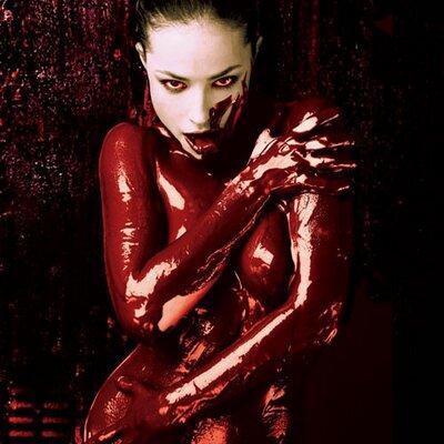 gothic vampire bloody girl - photo #23