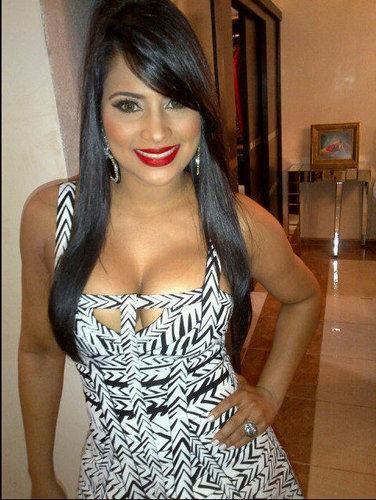 Evelina García presenta su sexy calendario 2012 Ante los ...  |Evelina Garcia