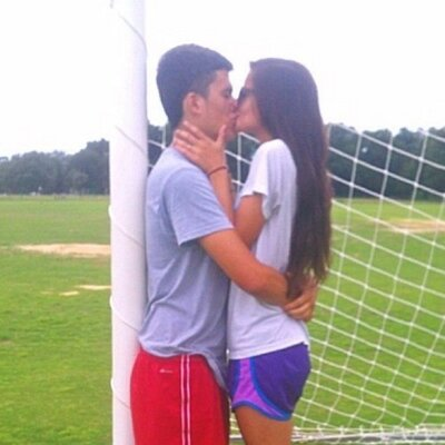 how to be a soccer girlfriend