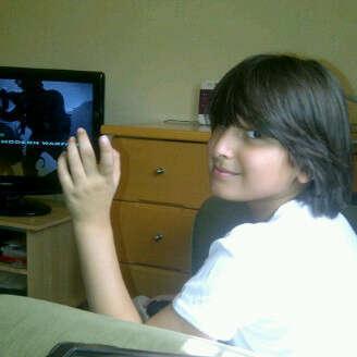 سالب ابيض و عمري 15 Twitterissa