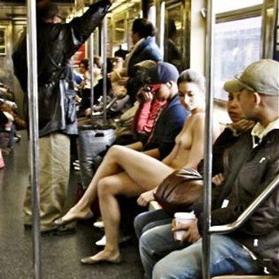 Arrimones en el metro