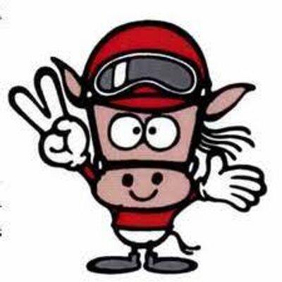 最終レース終了後には川崎競馬所属騎手による年末の挨拶を行います。 騎手からファンの皆様への感謝の気持ちを込めて、サイン入りゴーグルの投げ入れを行います。 (最終レース終了後/ウィナーズサークル)  写真は2016年時。… https://t.co/H2bBOCj6iM