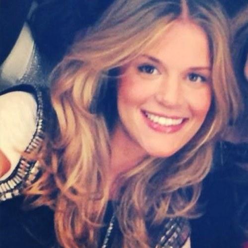 Caroline De Moraes Officialcaz Twitter
