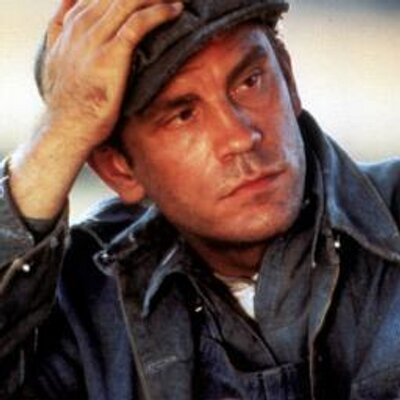 lennie small A secondary school revision resource for gcse english literature about the characters in john steinbeck's of mice and men.
