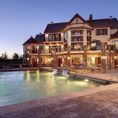 Huge houses hugehouses twitter for Mini mansion homes