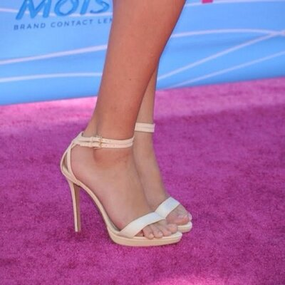 tweets with replies by selena gomez feet selenasfeet167 twitter