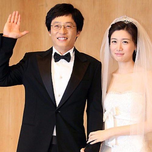 Family photo of the actor, married to Na Gyung-Eun, famous for Gag Family Concert & Banjun Drama.