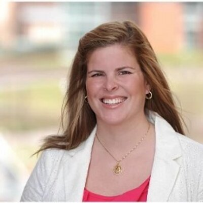 Liz Berquist (@liz_berquist) Twitter profile photo