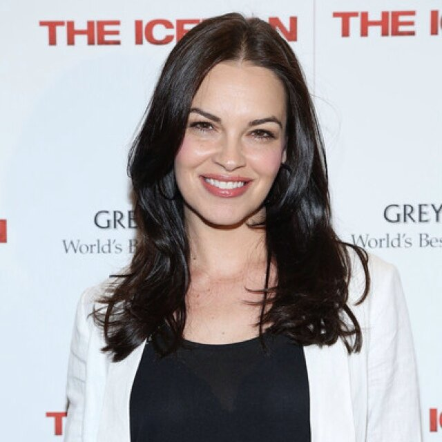 The 41-year old daughter of father (?) and mother(?) Tammy Blanchard in 2018 photo. Tammy Blanchard earned a  million dollar salary - leaving the net worth at 2 million in 2018