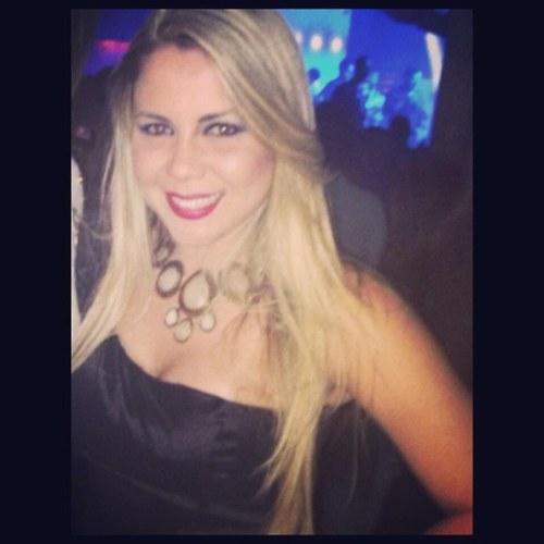 @JosyQueirozz