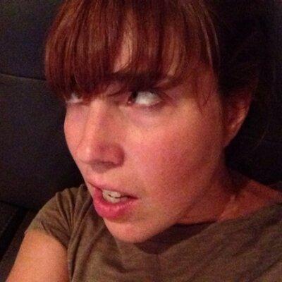 Laurie Schmidt (@laurieschmorie) Twitter profile photo