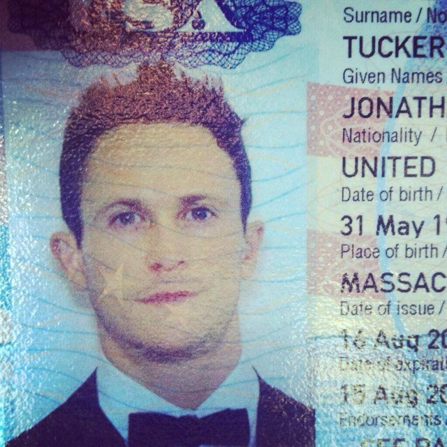 jonathan tucker height