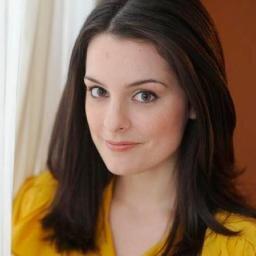 Carrie McCrossen (@CarrieMcCrossen )