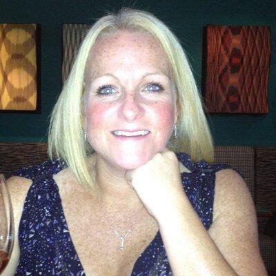 Clare MacDougall (@claramacbear) Twitter profile photo