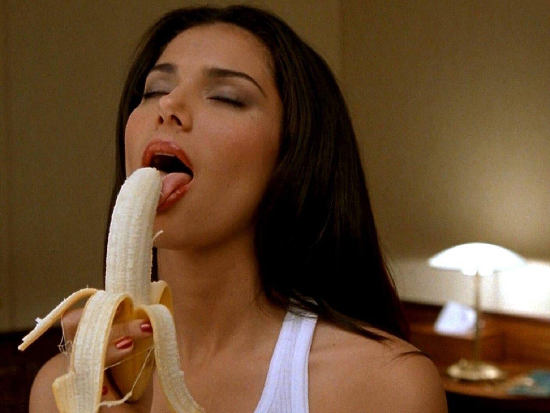 Фото сосут банан 9 фотография