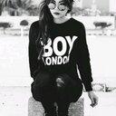 Nyna (@08092000v) Twitter