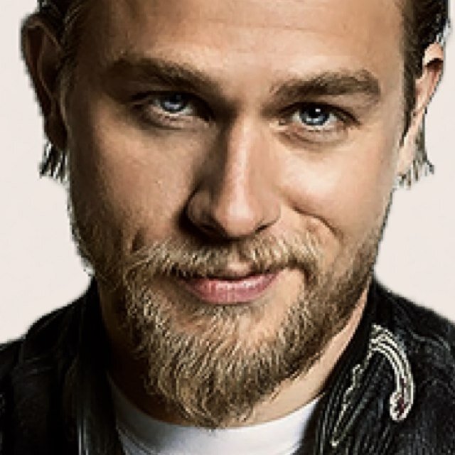 Charlie hunnam who is he dating 8