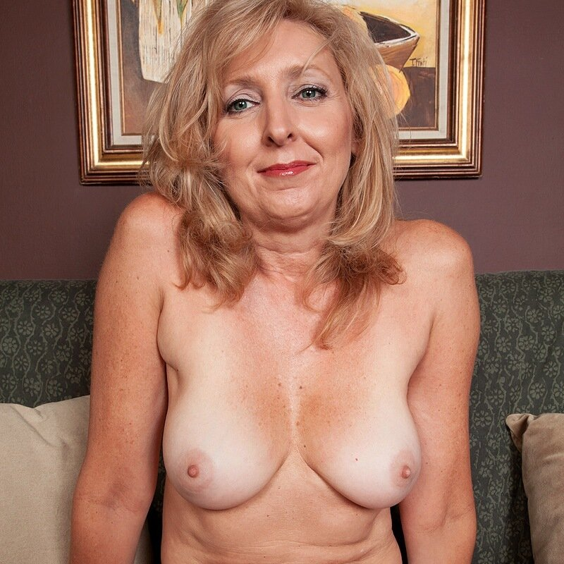 Big boobs mature swingers