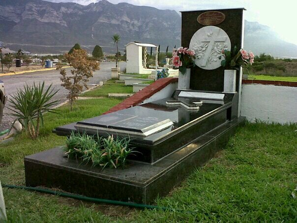 Lapidas monterrey epitafiolg twitter for Marmol espanol precios