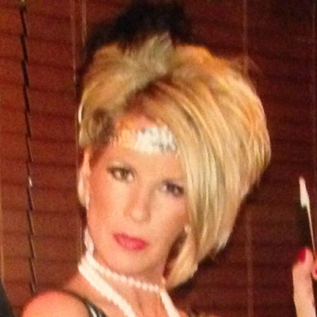 Lauren Diewold,Marjorie Reynolds Adult pic Minta Durfee,Daniela Braga BRA 4 2014?017