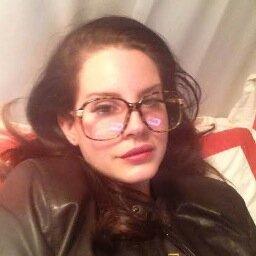 Noticias >> Lana Del Rey [2] QF7zKLwr