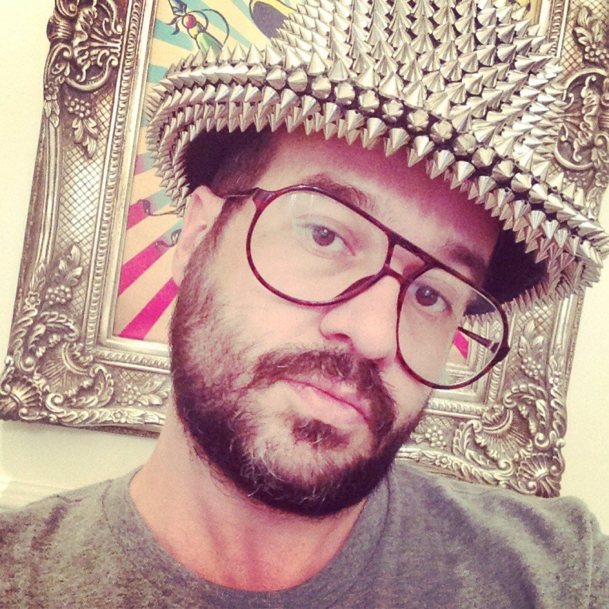 Santiago Tello Pino On Twitter Desnudo Con Nacho Vegas