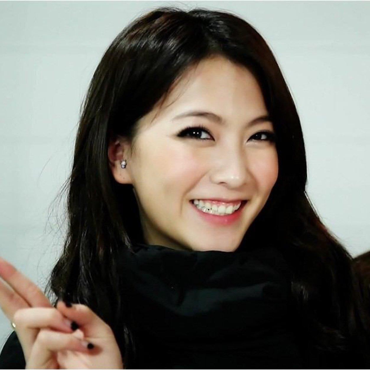 元KARA・知英(ジヨン)の笑顔画像