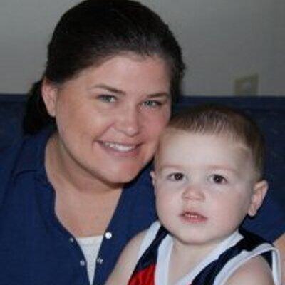 Kimberly Case (@kimandgary98) Twitter profile photo