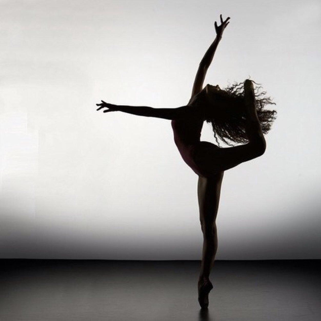 можно уложить фотосессия танцора с растяжками побывал