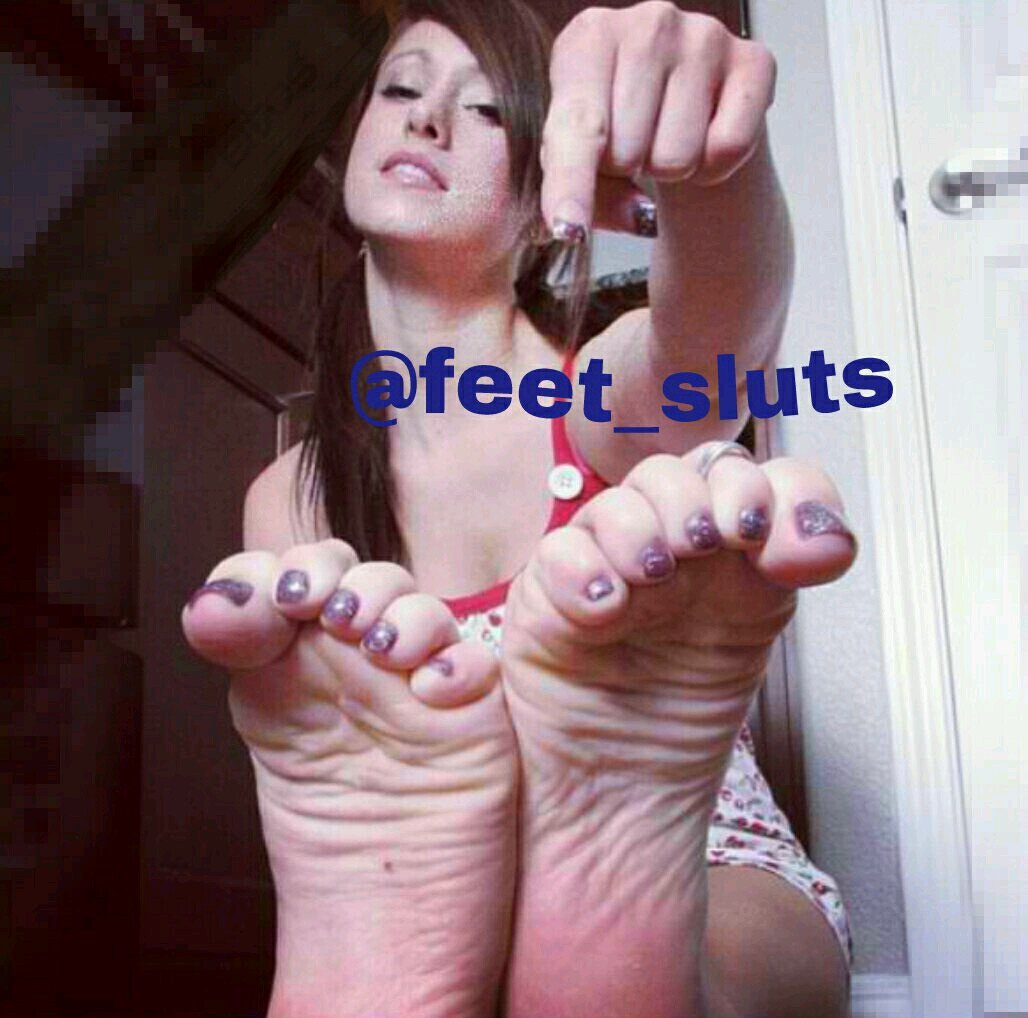 Alyssa Hart Feet Tickle