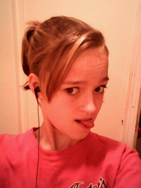 Kelly Leigh 18